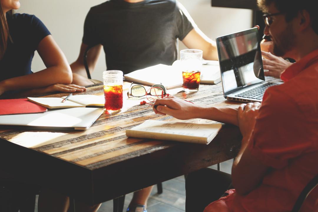 當你是剛開始創業,希望結識更多同道中人,你很自然會考慮co-working space。
