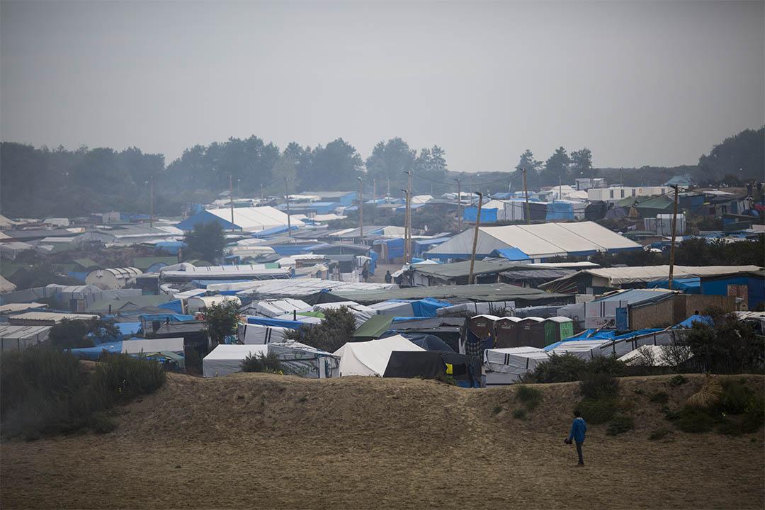 法國與英國已決定要建一堵4米高的邊境牆。圖為法國加來的難民營。
