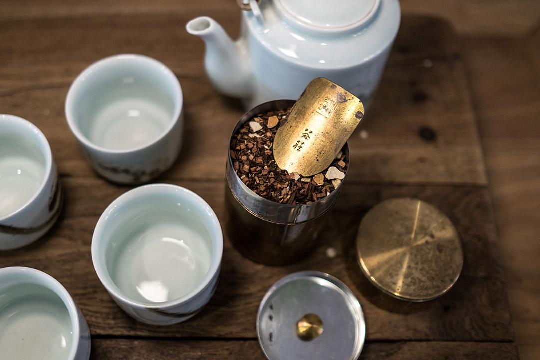 開化堂茶筒。