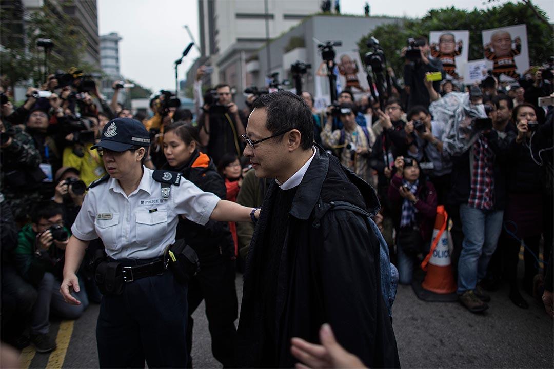 2014年12月3日,佔領中環運動三位發起人向警方自首,圖為三人之一的戴耀廷。