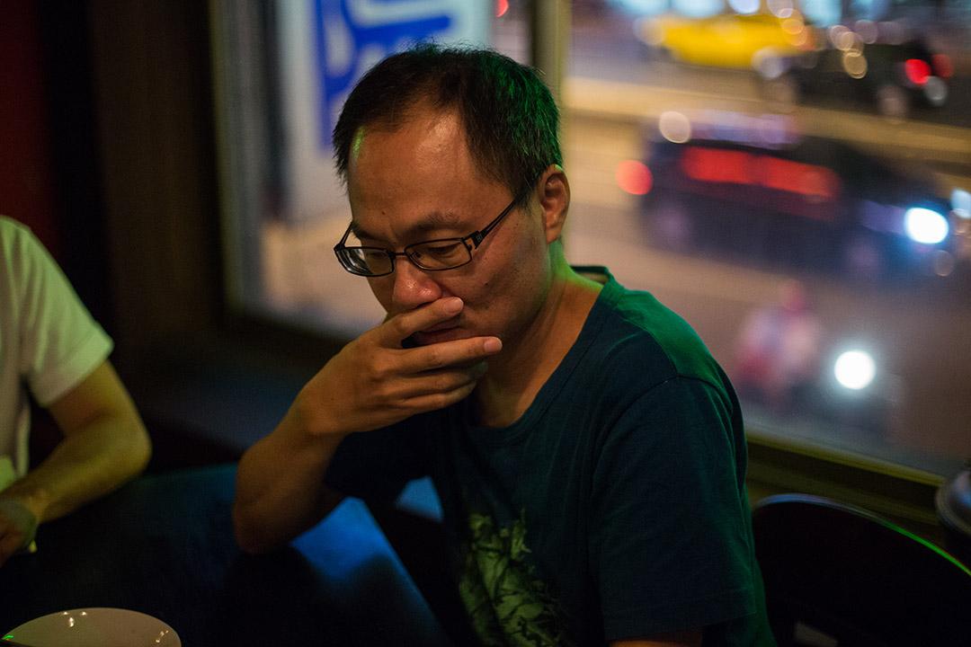 詩人與導演共同探討這部關於詩的紀錄片,圖為鴻鴻。