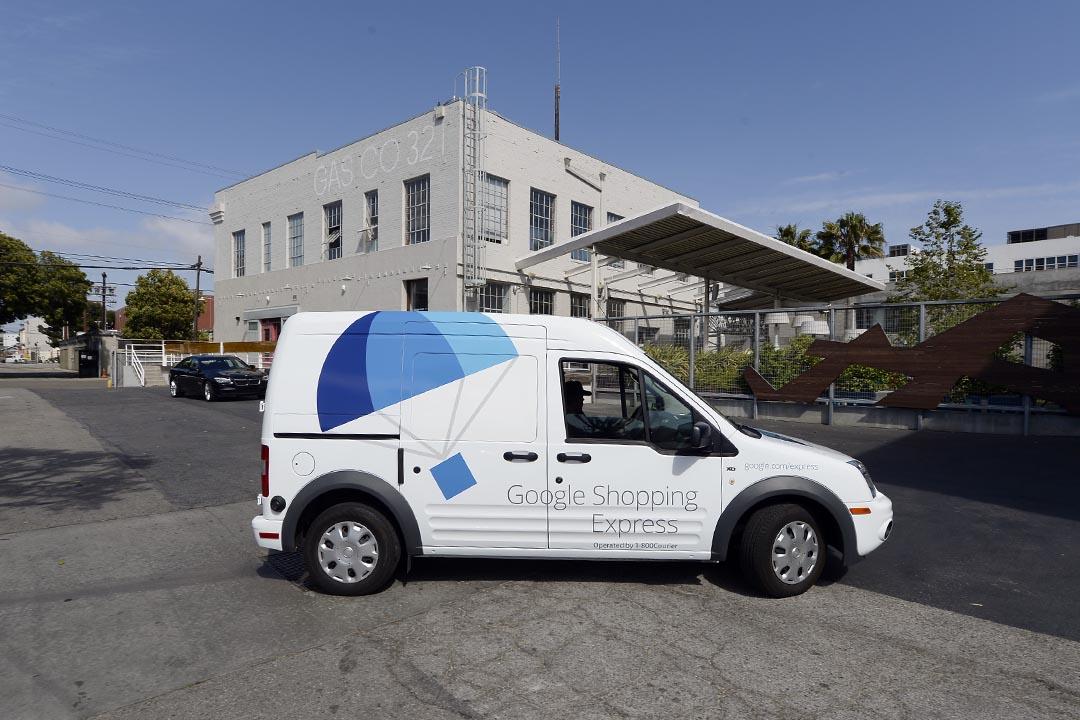 2014年5月5日,美國加州,Google總部的一輛Google Shopping Express貨車。