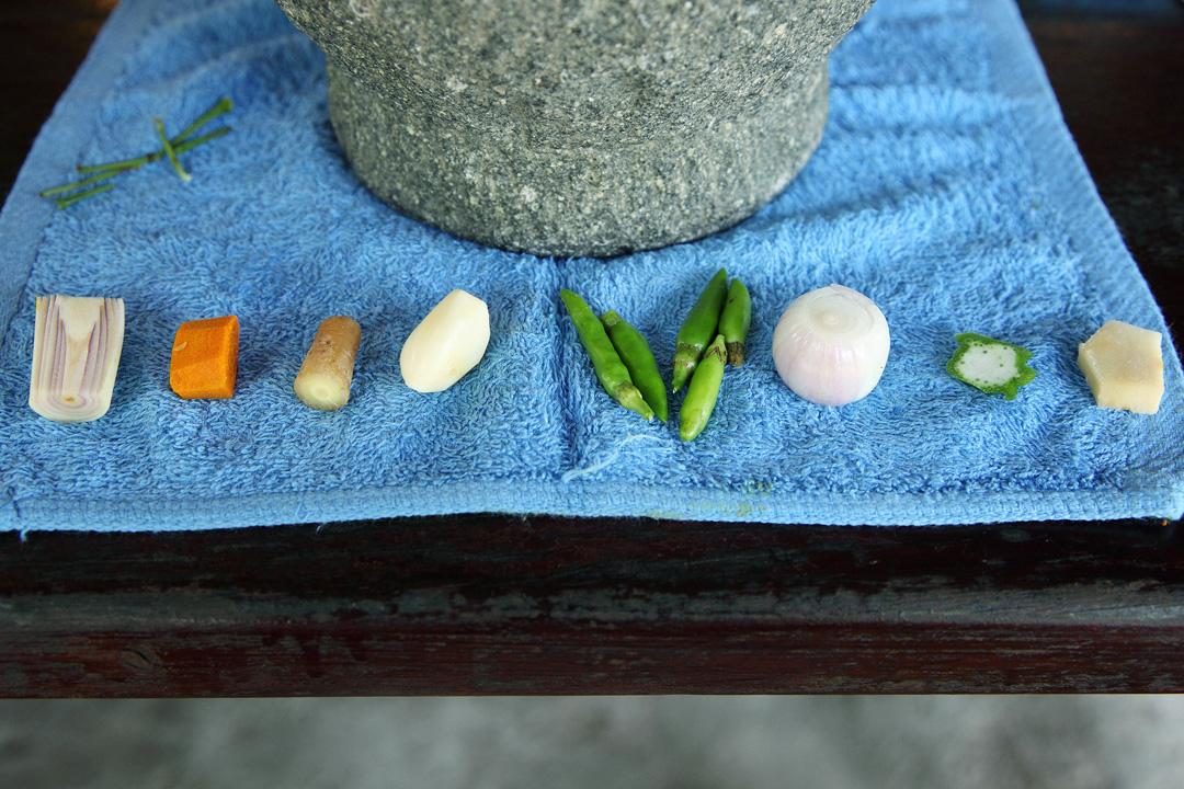 製作綠咖哩的主要幾種香料。