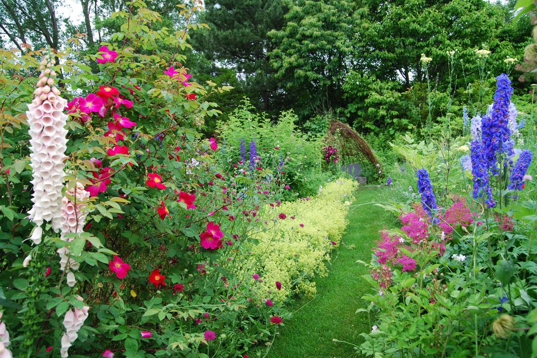 風之庭園共栽種了360種以上、超過兩萬株的植物,開拍後劇組甚至依照花開時序來發演員通告。