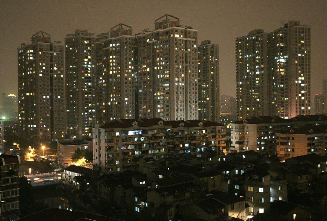 中國上海瑞虹新城夜景。