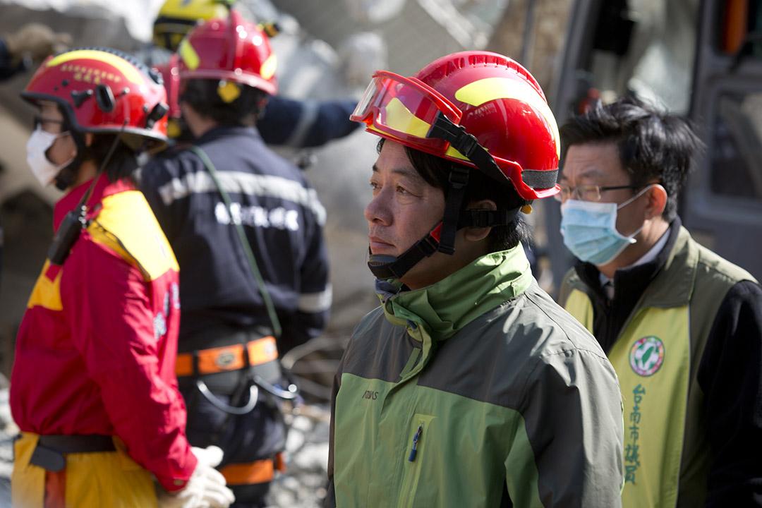 台南市長賴清德在今年二月南台灣大地震現場勘災。