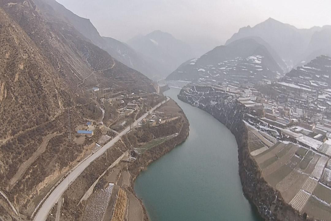 河流过山乡,摄于民县,卓尼,康乐三县交界处,杨改兰骨灰即洒于洮河。