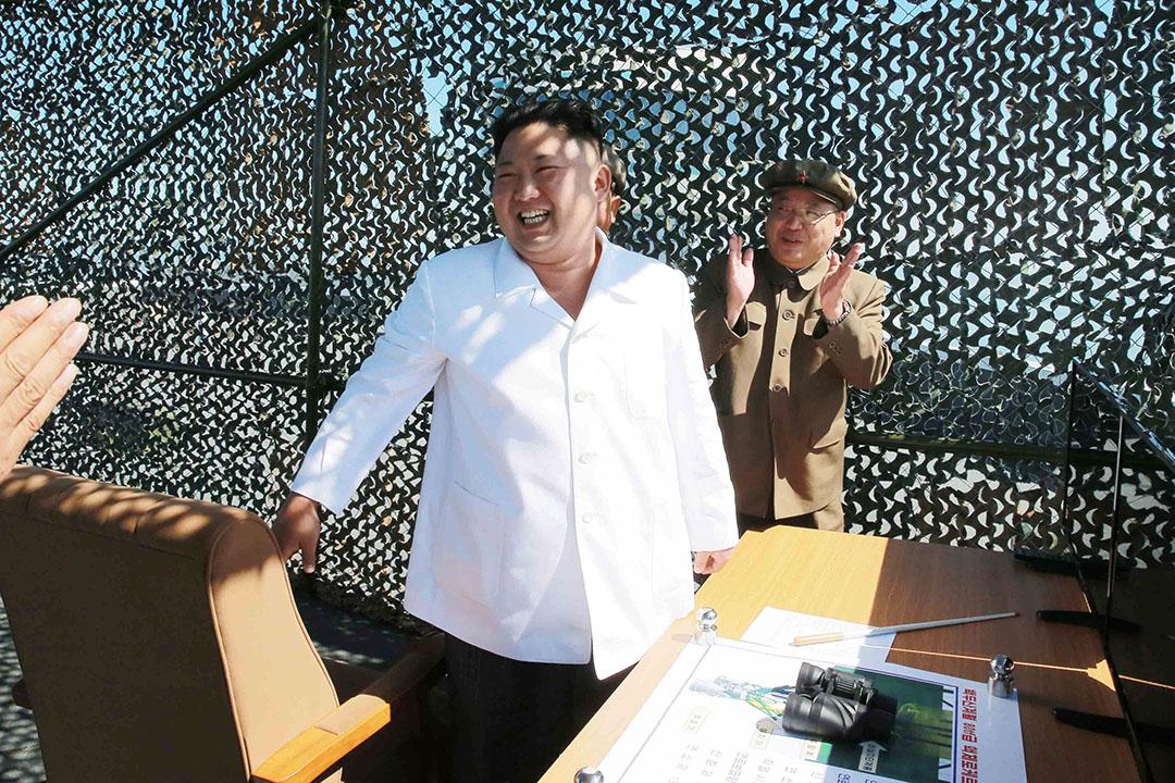 2016年9月20日,北韩平壤,北韩最高领导人金正恩庆祝新型运载火箭发动机试验成功。