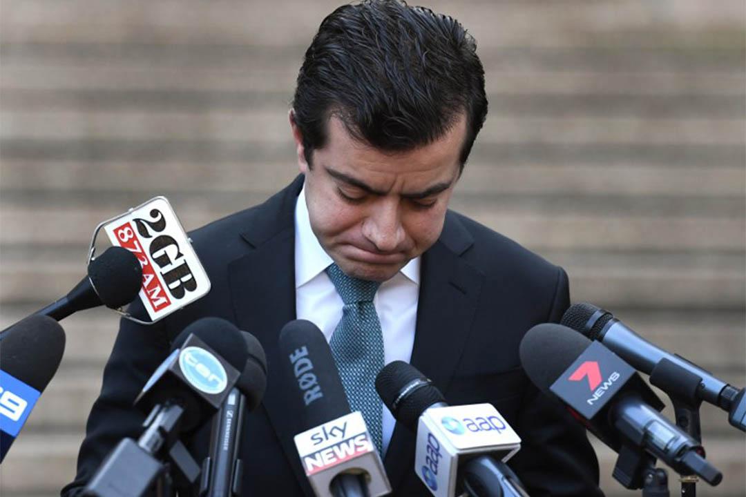 2016年9月6日,澳洲工黨參議員Sam Dastyari見傳媒時,為收受獻金致歉。