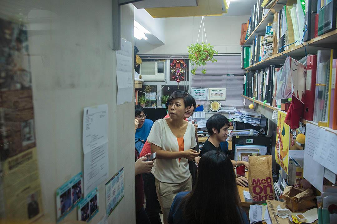 2016年9月2日,工黨主席胡穗珊宣佈退選。記者會後,胡穗珊繼續留在職工盟總部內工作。