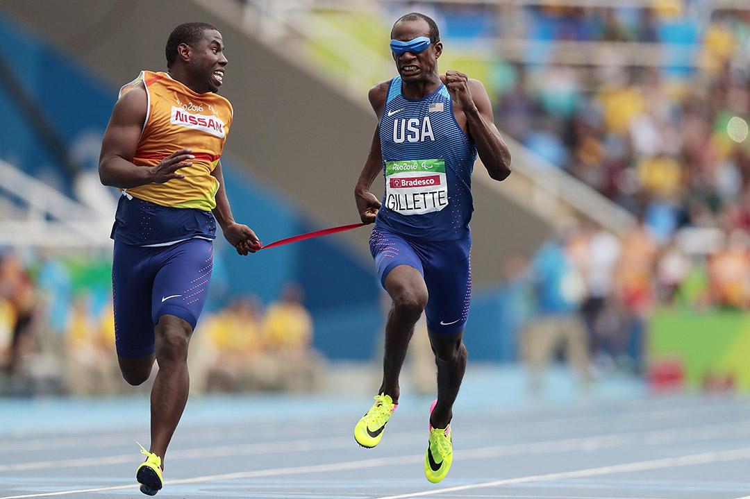 美國選手Lex Gillette出賽男子100公尺T11級。