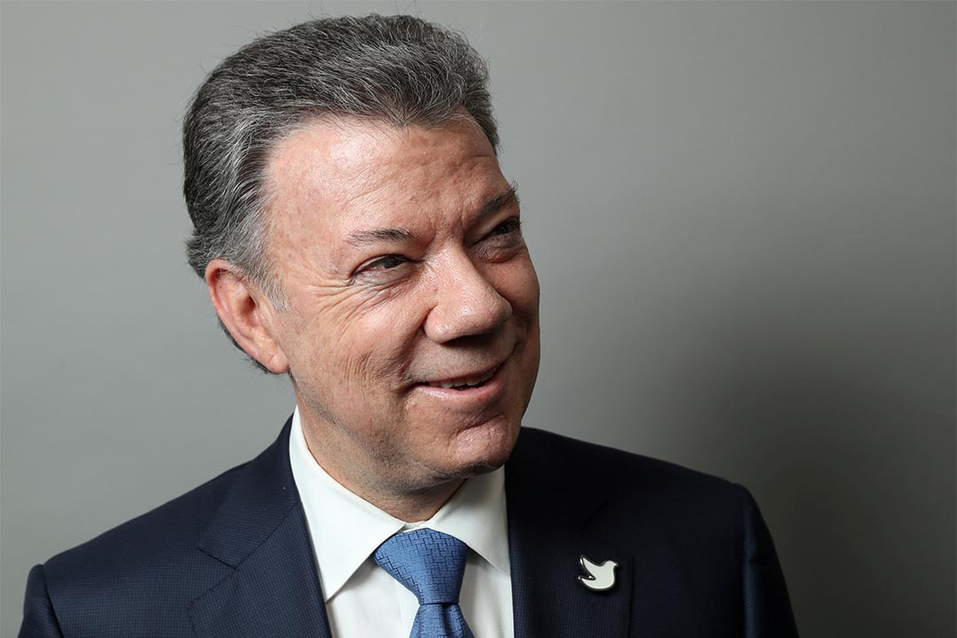 2016年度諾貝爾和平獎得主為哥倫比亞總統桑托斯。