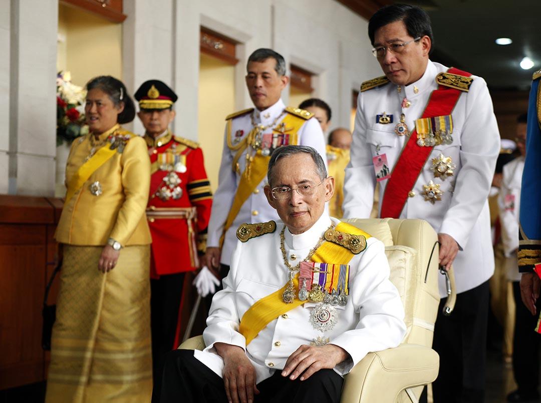 泰國國王拉瑪九世普密蓬・阿杜德(Bhumibol Adulyadej)駕崩,終年88歲。