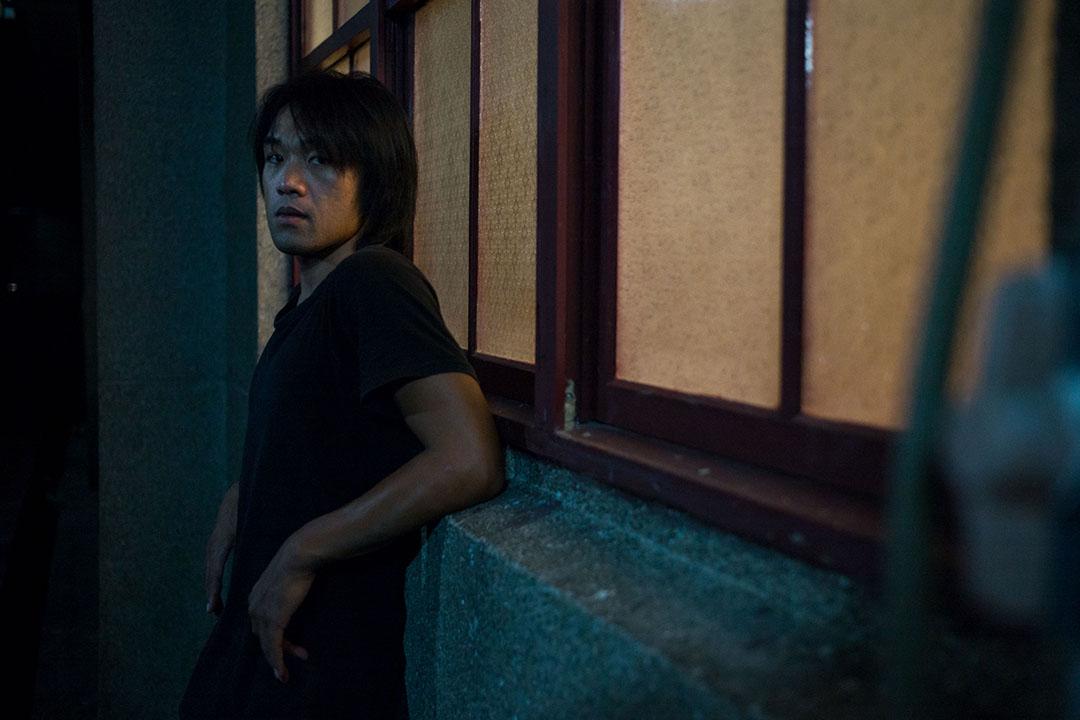 陳彥斌:開始在劇場創作後,〈菊花夜行軍〉的意義就更不同了。我經常反覆聆聽的歌,一首是它,一首是音樂劇《悲慘世界》的〈Do You Hear the People Sing?〉。