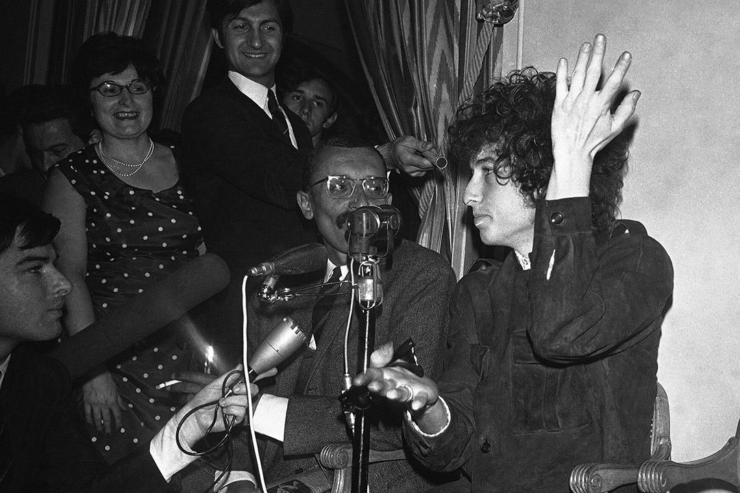 2016年諾貝爾文學獎由美國著名歌手、詩人Bob Dylan奪得。