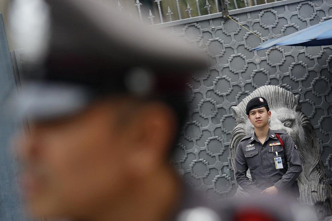 泰國警方在中國使館門外部署。
