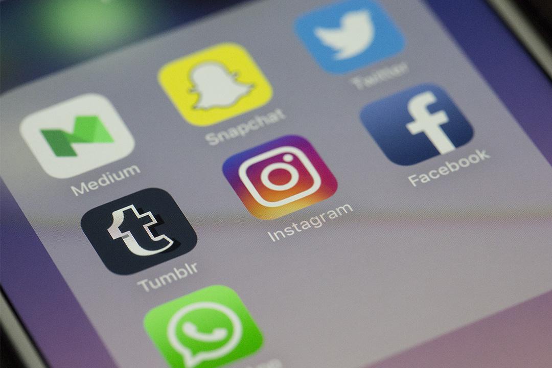 手機社交平台程式。