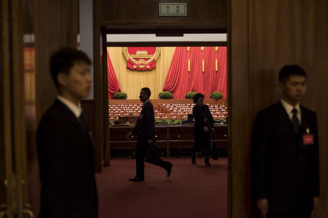 中國的公民運動正在以內部激烈鬥爭的方式展開檢討,重新定位未來的方向。
