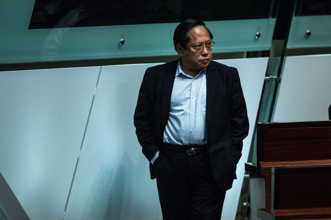 何俊仁曾以斯諾登的代表律師身份出面與政府溝通。
