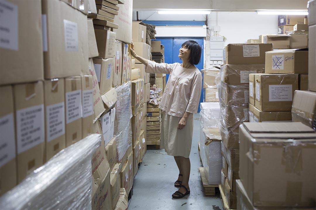 二手英文書店「書閣Book Attic」的店主Jennifer。
