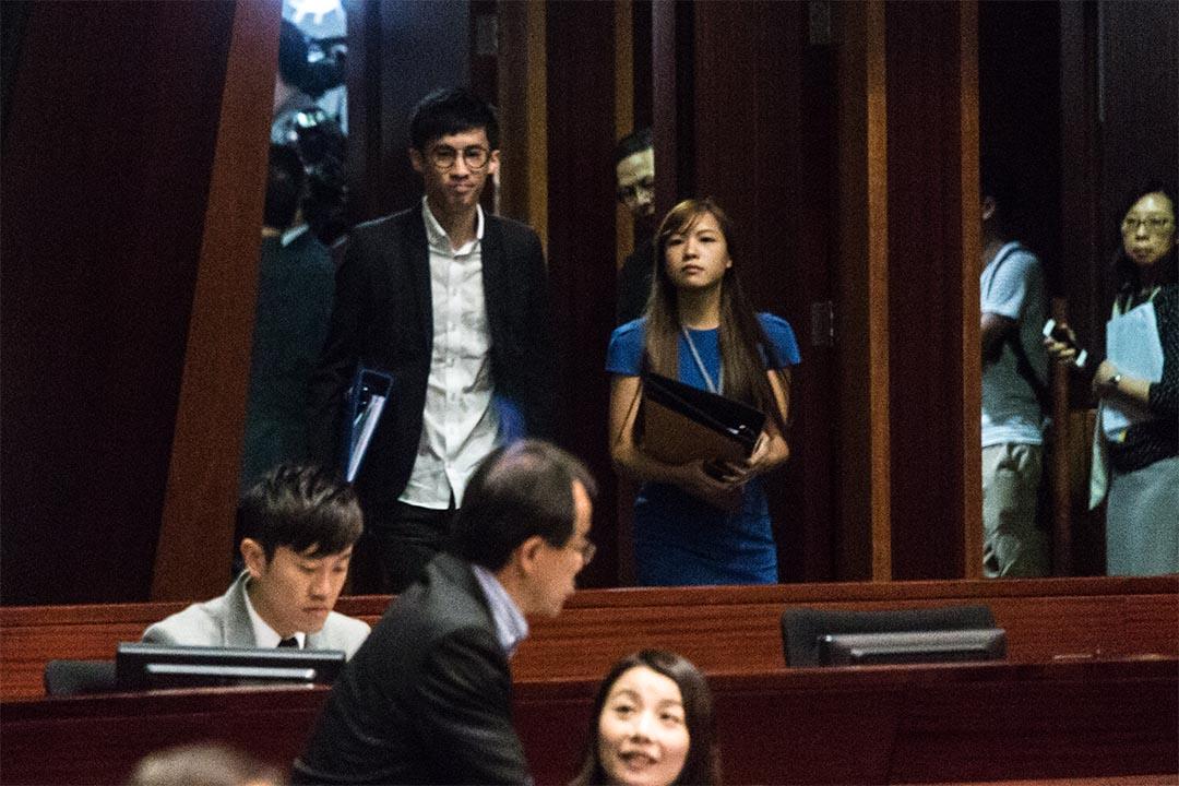 因為建制派集體離場導致流會,梁頌恆、游蕙禎、劉小麗仍未宣誓。