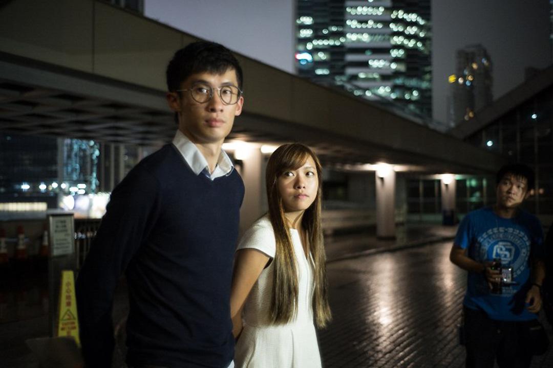 梁頌恆和游蕙禎就政府申請臨時禁制令禁止再宣誓到高等法院應訊。
