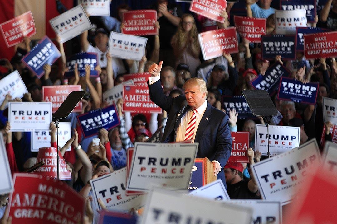 特朗普於過去幾天指競選被操縱。2016年10月18日,特朗普競選活動上發言。