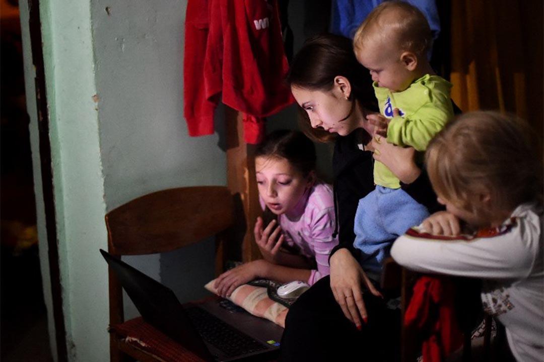 美國兒科學會給出兒童接觸屏幕時間的新建議。