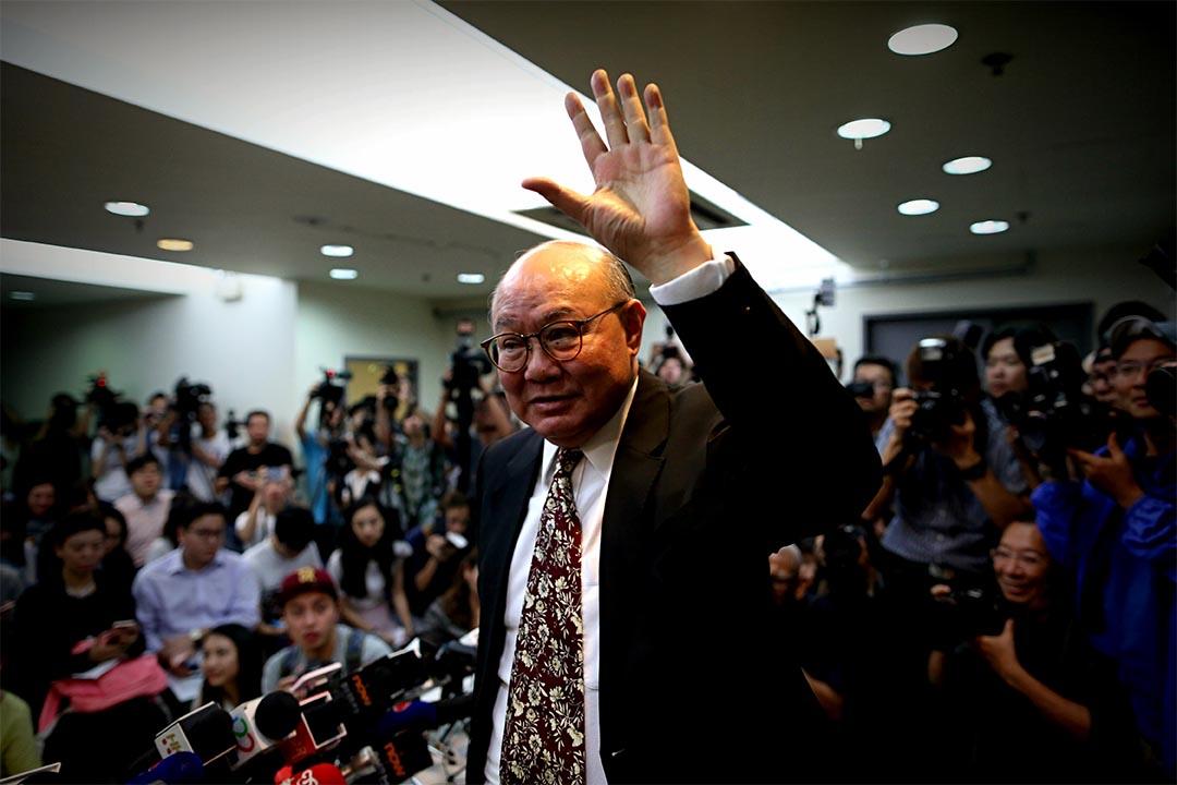 2016年10月27日,前任法官胡国兴宣布参与明年3月特首选举。