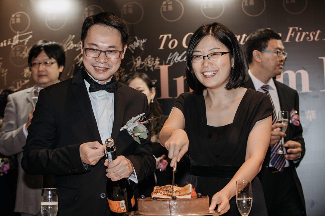 蔡華先生和總編輯張潔平小姐出席端傳媒一週年酒會儀式。