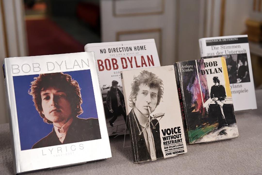 美國作曲家Boby Dylan的書籍。