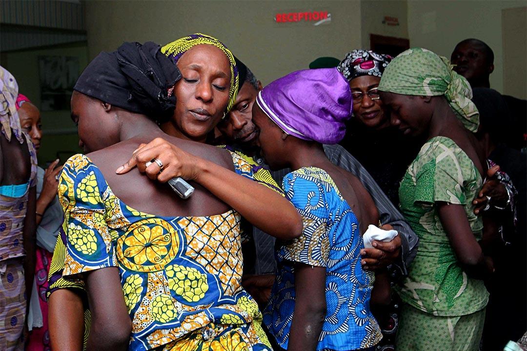 2016年10月13日,尼日利亞阿布賈,21名兩年前被極端組織「博科聖地」綁架的少女獲釋。