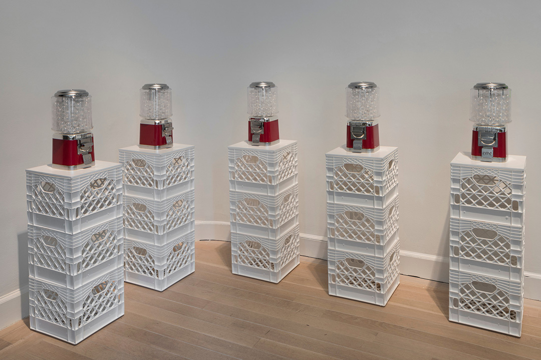 小野洋子(yoko Ono)的作品《空氣售販機》(Air Dispensers)。