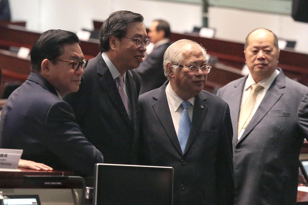 角逐立法會主席梁君彥國籍問題惹爭議。
