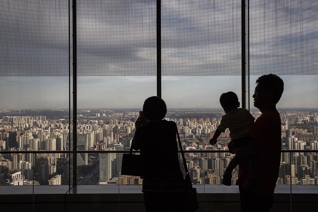 作为中国最重要的民间智库,天则为中国转型,尤其为市场经济的发展,公民社会的发展,做出了自己独特的贡献,但争议跟成就一样多。