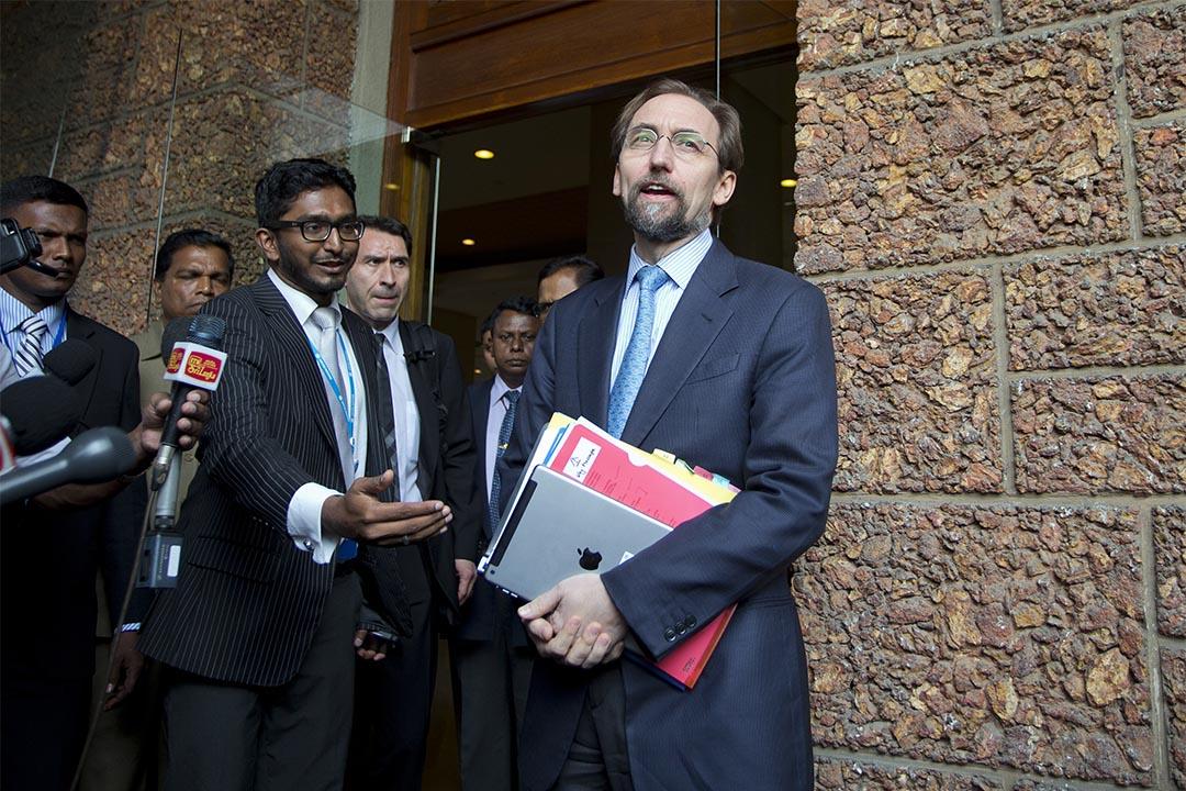 聯合國人權事務高級專員指特朗普若當選會令世界陷入危險。圖為2016年2月6日,斯里蘭卡,聯合國人權事務高級專員Zeid Raad al-Hussein見傳媒。