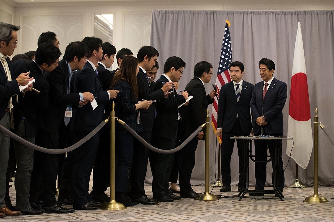 日本首相安倍晉三在紐約與特朗普會面後會見傳媒。