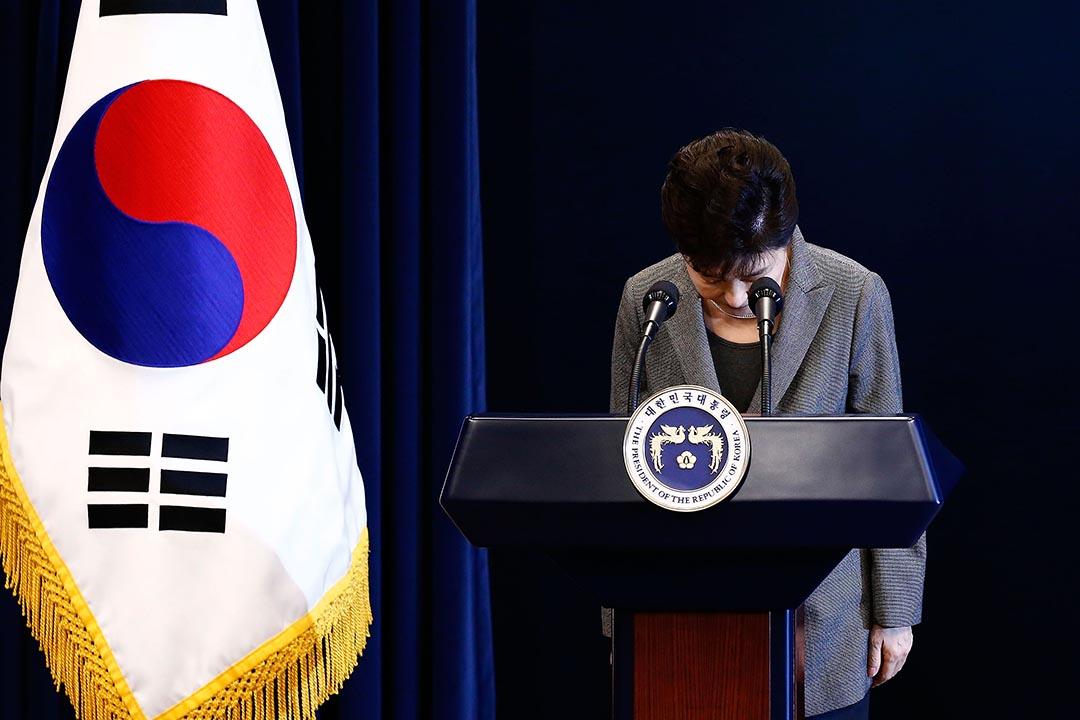 南韓總統朴槿惠就該「親信干政」事件發表了第三次國民談話。