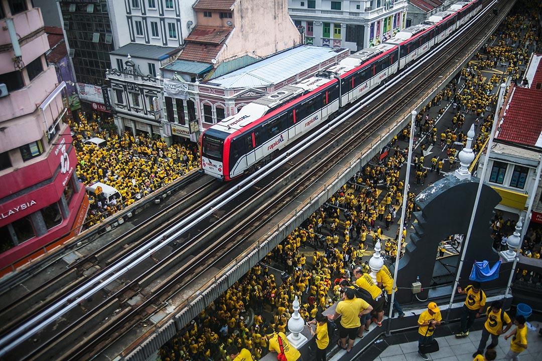 主辦方「淨選盟」宣稱有10萬人上街抗議。
