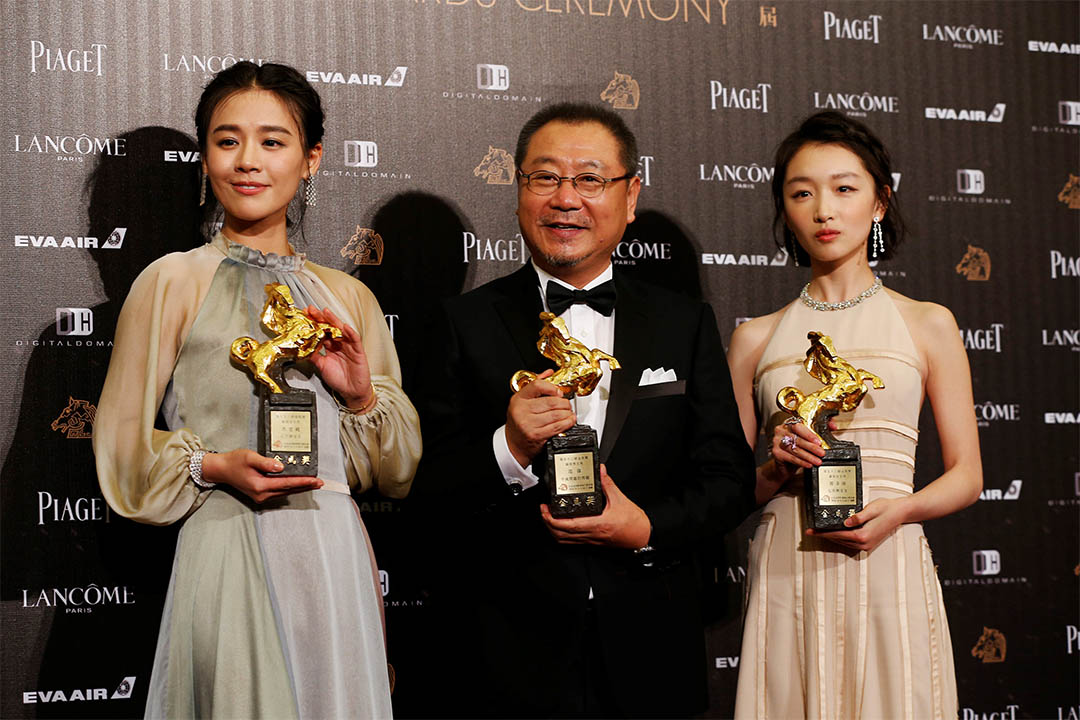第53屆台灣金馬影展,周冬雨、馬思純同憑《七月與安生》奪最佳女主角,范偉憑《不成問題的問題》奪最佳男主角。