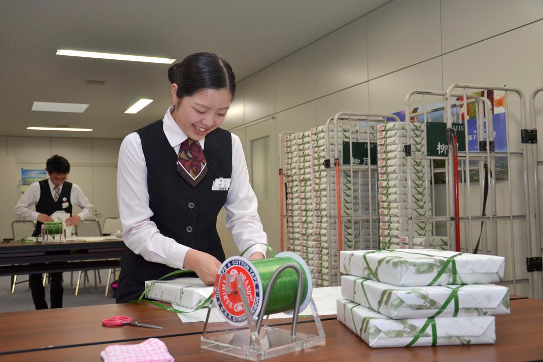 田村昇不諱言,從管銷的角度來看,柳月的人事成本比例的確偏高,但也只有這群自己親手培養的員工,願意認同柳月的企業理念。