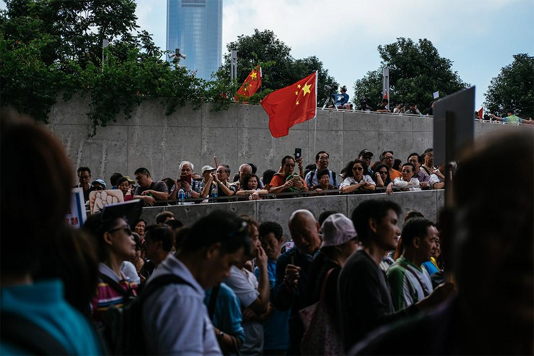 面对中国因素的影响,香港经验不但能为台湾带来警示,两地社会也能以捍卫人权与自由等价值,作为两地公民运动间的对话基础。