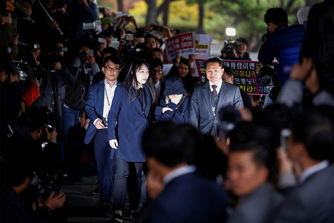2016年10月31日,南韓首爾,崔順實到中央地方檢察廳接受調查。