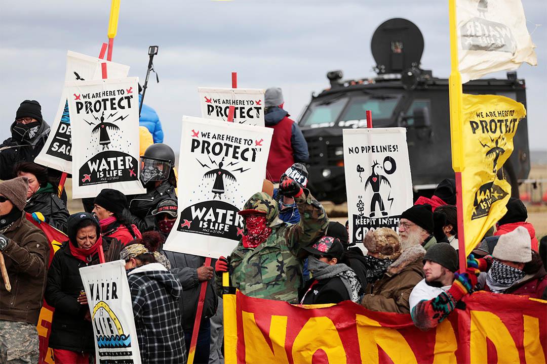 2016年10月5日,美國北達科他州,有反對輸油管工程的人士集會示威。