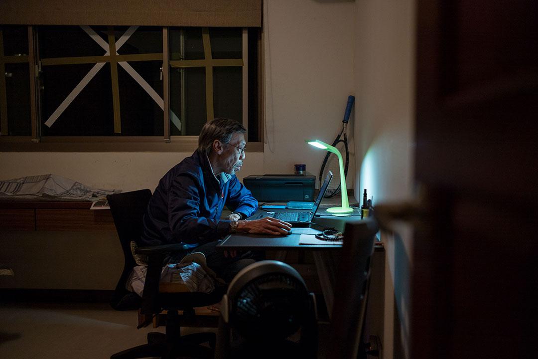 馮淬帆每天都花不少時間坐在電腦前,他說,現在最想做的,就是寫一部好劇本。