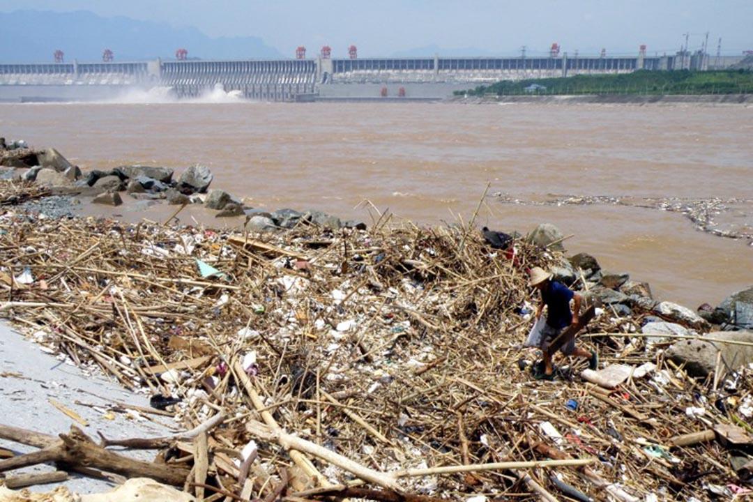 中國長江三峽水壩對生態環境產生重大威脅。