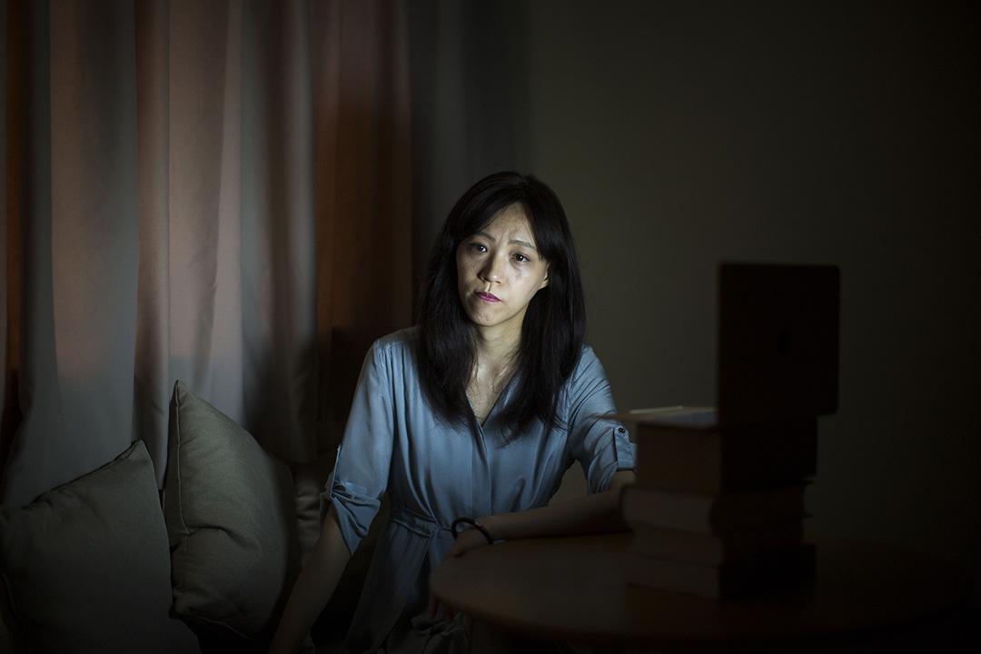 这个社会的好与坏与你无关——胡采苹的朋友劝她不要在网络上写东西。 「但我从来没听过,」她说。