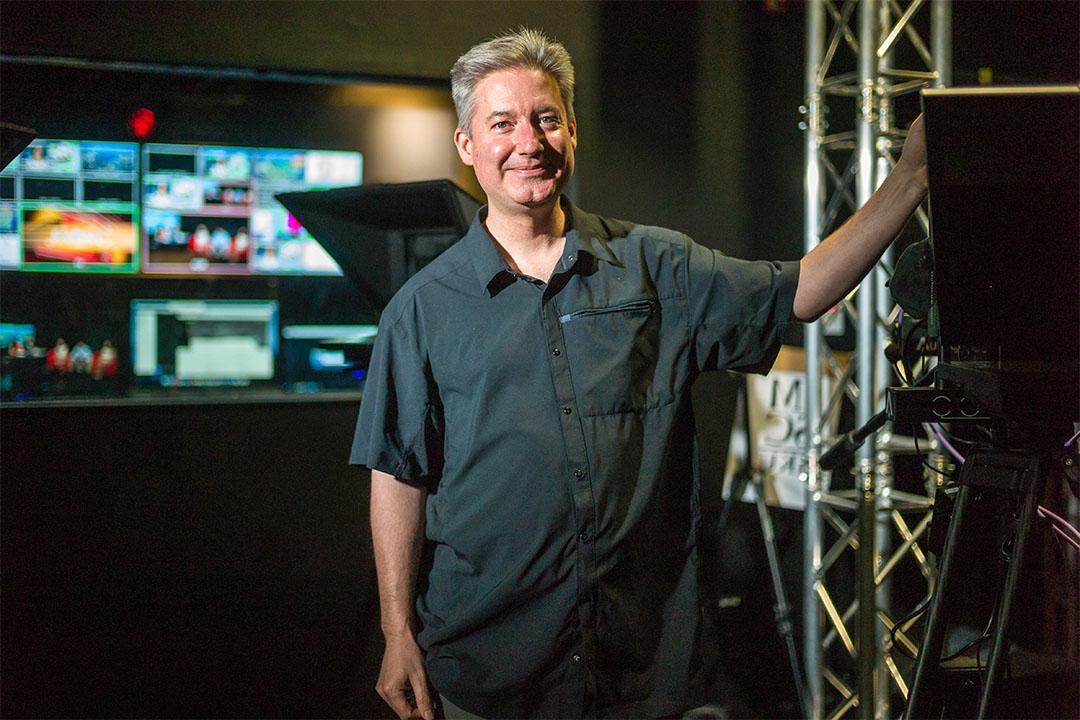 曾獲奧斯卡金像獎兩次提名的導演James Longley。