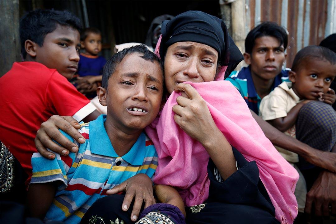 圖為2016年11月21日,一對羅興亞母子在孟加拉邊境因非法入境被捸捕。