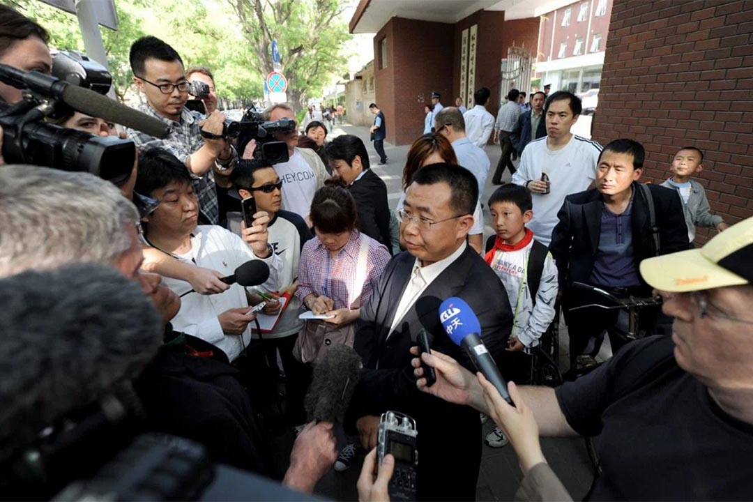 中國維權律師江天勇涉嫌违法犯罪被依法采取刑事强制措施。圖為2012年江天勇接受媒体訪問。